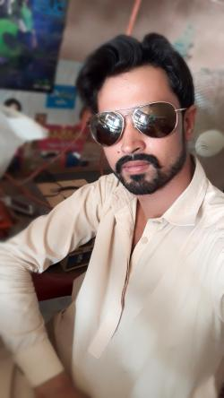 Muzafar Ali model in Jacobabad