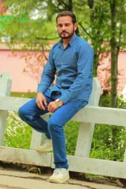Muhammad Nadeem model in Gujranwala
